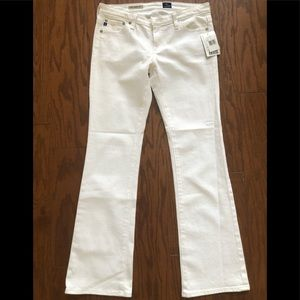 AG  Angelina petite bootcut sz 27 jeans white